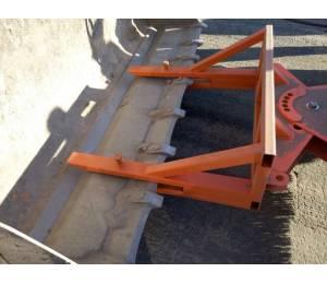 Щётка на ковш экскаватора-погрузчика без подвески NL-03